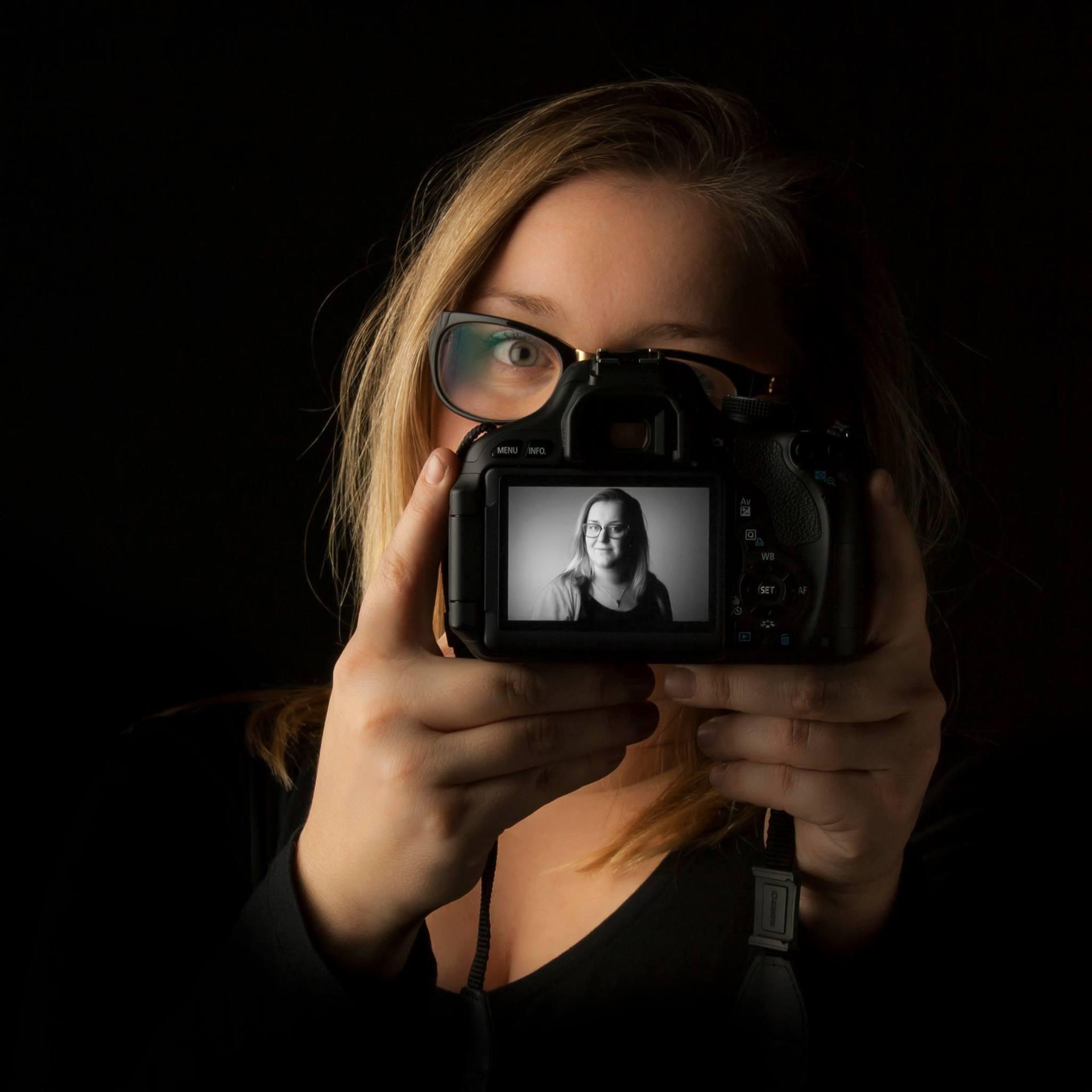 Zelfportret Elke Sijben